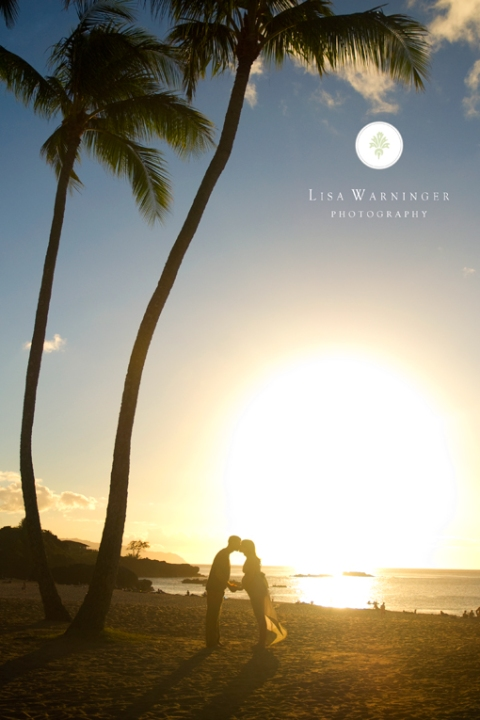 Oahu pregnancy photography